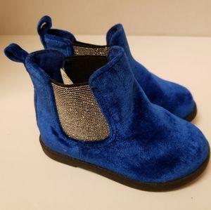 Crazy 8 blue velour shoes size 6